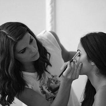 Paula Niculita - Make-Up Artist